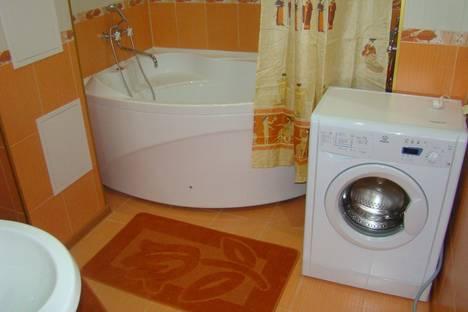 Сдается 3-комнатная квартира посуточно, ул. Курская, 80.