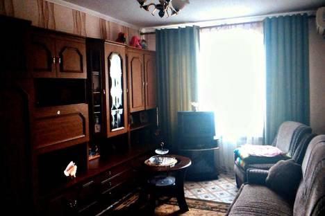 Сдается 1-комнатная квартира посуточно, Судакская 6, кв. 38.