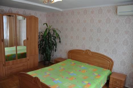 Сдается 2-комнатная квартира посуточно в Партените, ул . Нагорная д 10.