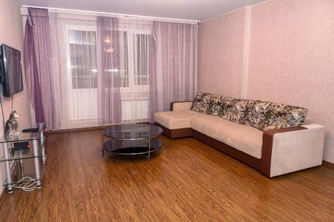 Сдается 2-комнатная квартира посуточнов Тюмени, Фабричная 9.