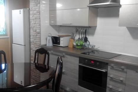 Сдается 2-комнатная квартира посуточно, Санаторная ул., 3.