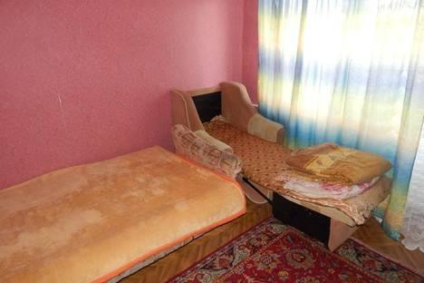 Сдается 3-комнатная квартира посуточно в Благовещенске, ул. Пролетарская, 102.
