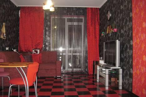 Сдается 3-комнатная квартира посуточнов Сочи, Курортный проспект, 90/13.