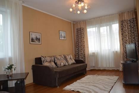 Сдается 2-комнатная квартира посуточно в Кемерове, проспект Ленина, 37.