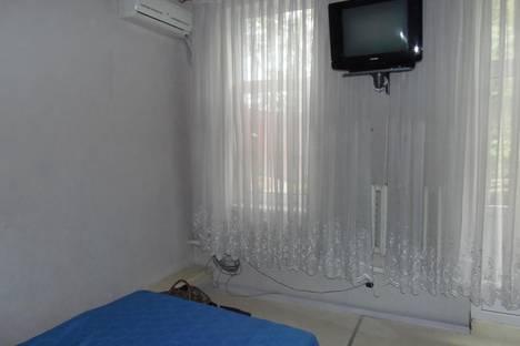 Сдается 1-комнатная квартира посуточно в Ялте, карла маркса 13.