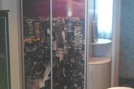 Сдается 2-комнатная квартира посуточно в Яровом, квартал Б 16.