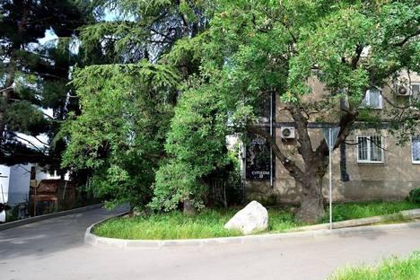 Сдается 1-комнатная квартира посуточно в Алупке, Сурикова, 12.