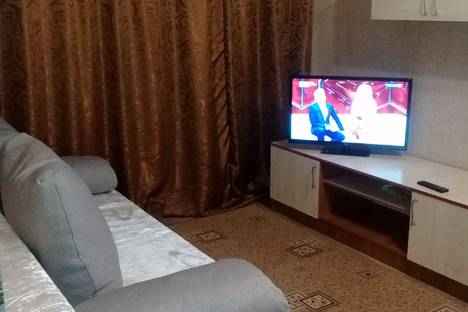 Сдается 2-комнатная квартира посуточно в Таганроге, ПЕРЕУЛОК КРАСНОГВАРДЕЙСКИЙ,13.