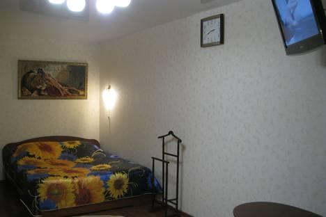 Сдается 1-комнатная квартира посуточно в Кирове, Строителей проспект, 52,.
