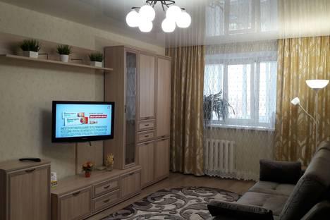 Сдается 1-комнатная квартира посуточно, Строителей проспект, 52,.