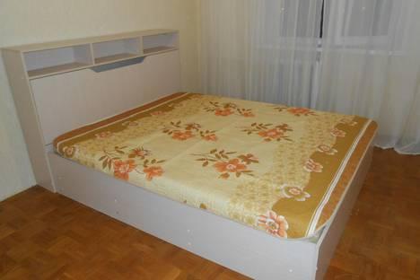 Сдается 2-комнатная квартира посуточно, Народный бульвар, 105.