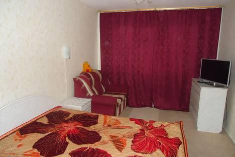 Сдается 1-комнатная квартира посуточно в Нижнем Тагиле, ул. Карла Маркса, 7.
