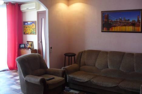 Сдается 2-комнатная квартира посуточно, ул. Ленина, 155.