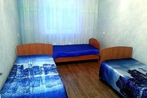 Сдается 2-комнатная квартира посуточнов Тобольске, 4 микрорайон,д.43.