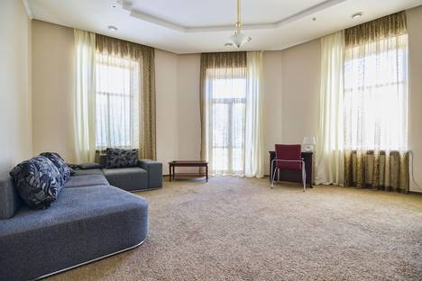 Сдается 2-комнатная квартира посуточно в Львове, Пр. Свободи,  11.