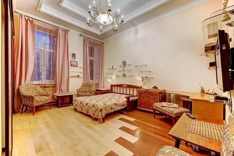 Сдается 1-комнатная квартира посуточнов Санкт-Петербурге, Кирочная 25.