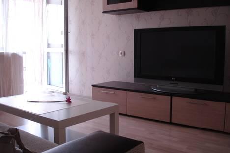 Сдается 2-комнатная квартира посуточнов Екатеринбурге, ул. Боровая, 22.