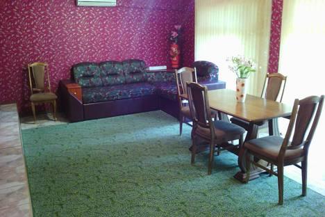 Сдается 3-комнатная квартира посуточно в Алуште, Партизанская , 23.