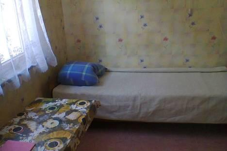 Сдается комната посуточно в Феодосии, пер.Свердлова,20.