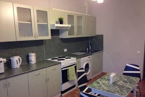 Сдается 2-комнатная квартира посуточно в Ульяновске, ул. Карбышева, 25.