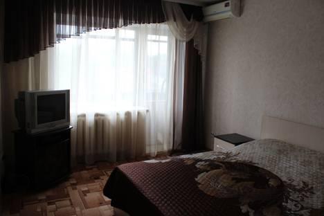 Сдается 1-комнатная квартира посуточно в Саратове, Жуковского, 23.