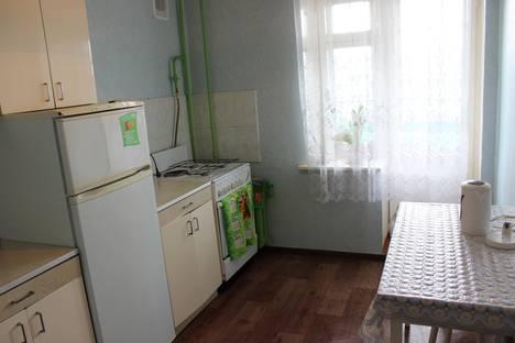 Сдается 2-комнатная квартира посуточно в Кирове, Улица Волкова, дом 1.