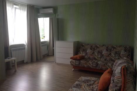Сдается 1-комнатная квартира посуточно в Анапе, ул. Самбурова, 170.