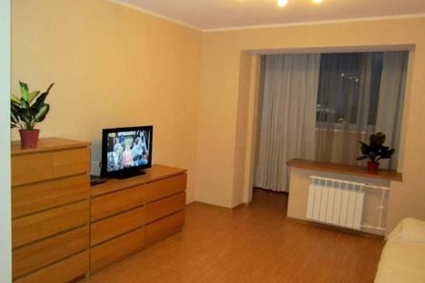 Сдается комната посуточно в Мурманске, ул. Софьи Перовской, 27.