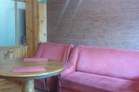 Сдается 3-комнатная квартира посуточно в Алуште, Урицкого 6.