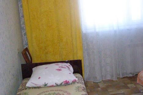 Сдается 2-комнатная квартира посуточно в Яровом, Квартал А дом 32.