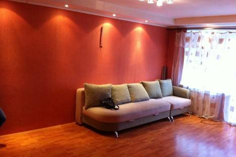 Сдается 1-комнатная квартира посуточно в Копейске, проспект Славы 33.