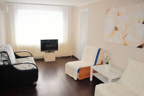Сдается 2-комнатная квартира посуточнов Волжском Утёсе, Мира 48.