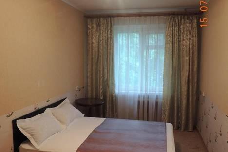 Сдается 2-комнатная квартира посуточно в Архангельске, Дзержинского 1/1.
