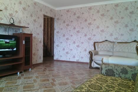 Сдается 3-комнатная квартира посуточно, 7 микр 39.