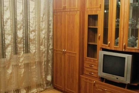 Сдается 1-комнатная квартира посуточнов Санкт-Петербурге, ул. Алтайская, 27.
