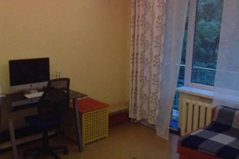Сдается 1-комнатная квартира посуточнов Санкт-Петербурге, ул. Алтайская, 31.