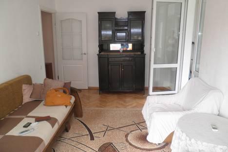Сдается 2-комнатная квартира посуточно в Алуште, Платановая 4.