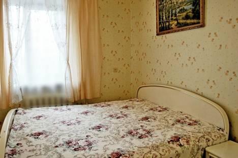 Сдается 2-комнатная квартира посуточно, ул. Сарментовой, 4.