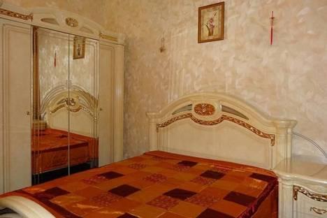 Сдается 2-комнатная квартира посуточнов Санкт-Петербурге, ул. Рубинштейна, 15.