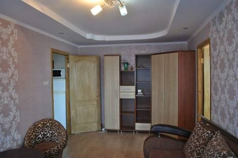 Сдается 2-комнатная квартира посуточно в Судаке, ул.Гагарина, д.6.