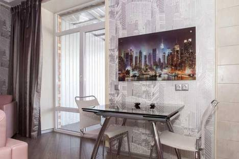 Сдается 2-комнатная квартира посуточно в Харькове, Мельникова, 46.