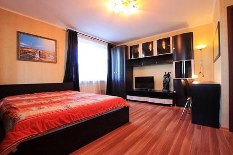 Сдается 1-комнатная квартира посуточно в Санкт-Петербурге, Энтузиастов, дом 53/38.