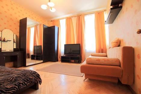 Сдается 1-комнатная квартира посуточнов Санкт-Петербурге, Новочеркасский пр., 19.