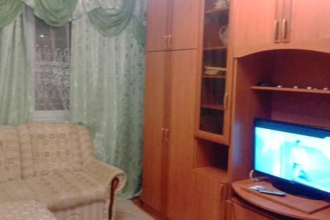 Сдается 2-комнатная квартира посуточно в Первоуральске, ул. Строителей,  20а.