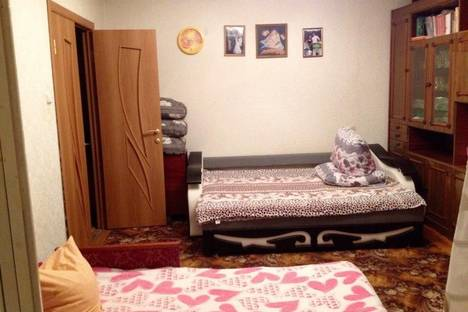 Сдается 3-комнатная квартира посуточно в Анапе, ул. Ленина, 157.