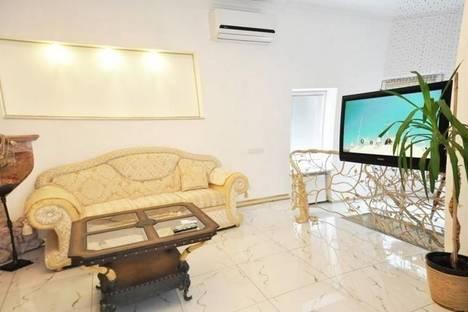 Сдается 2-комнатная квартира посуточно в Одессе, Дерибасовская улица, 16.