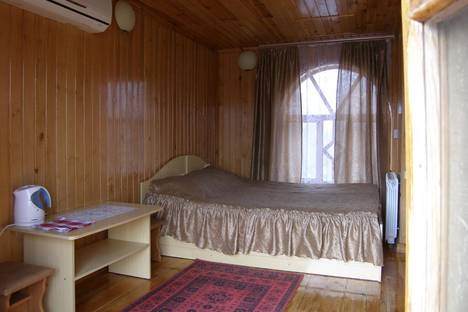 Сдается коттедж посуточно в Алуште, ул. Багликова, 6.
