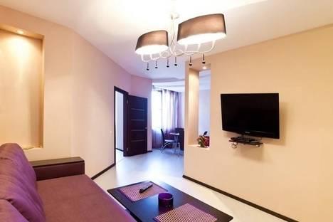 Сдается 2-комнатная квартира посуточно в Одессе, Среднефонтанская улица, 19А.