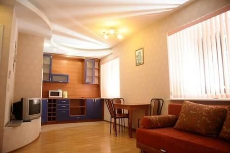 Сдается 2-комнатная квартира посуточно в Сыктывкаре, ул. Коммунистическая, 21/1.