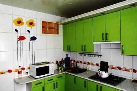 Сдается 2-комнатная квартира посуточно в Евпатории, проспект Ленина, 52.